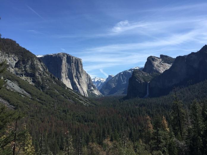 Eingang zum Valley, El Capitan vorne links, Half Dome hinten in der Mitte